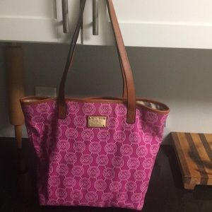 Handbags - Michael Kors Purse